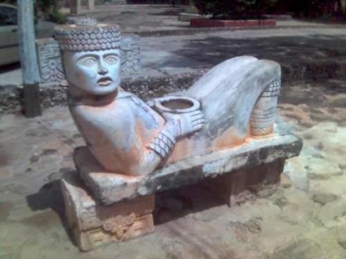 Где везде можно увидеть копия майские боги-этот думаю был Кукулкан.