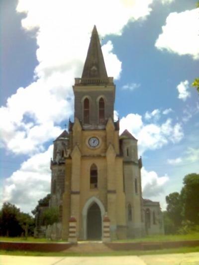 Забыл фотографии поставит раньше. Это церков-уже забытая, очень понравилась мне по пути к сеноты.