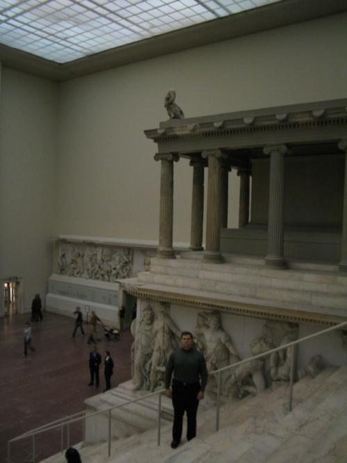а теперь он в берлинском Пергамоне.