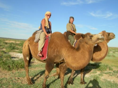 Мы со Штенкой на верблюдах. Пески Хонгор Элс.
