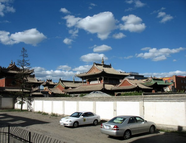 Уланбатор. Музей Чойджин Ламы. Старина и современность