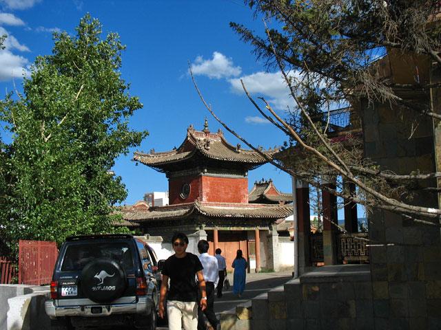 Улан-Батор. Музей Чойджин Ламы, вид из переулка.