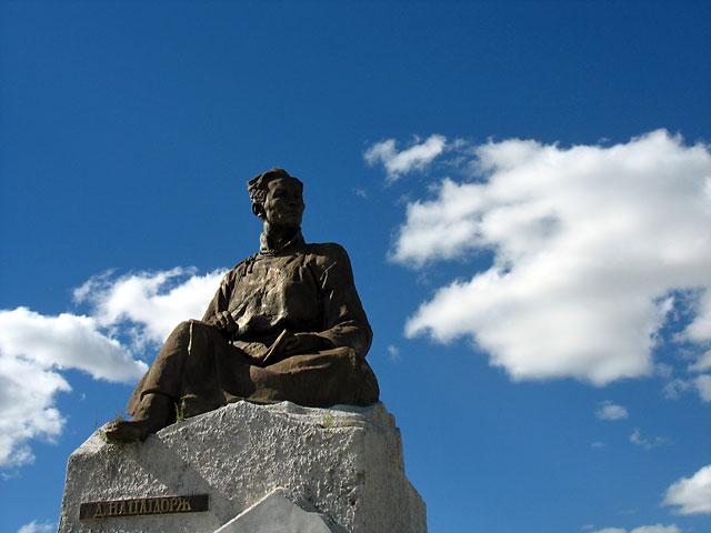 """Уланбатор. Памятник """"монгольскому Горькому"""""""