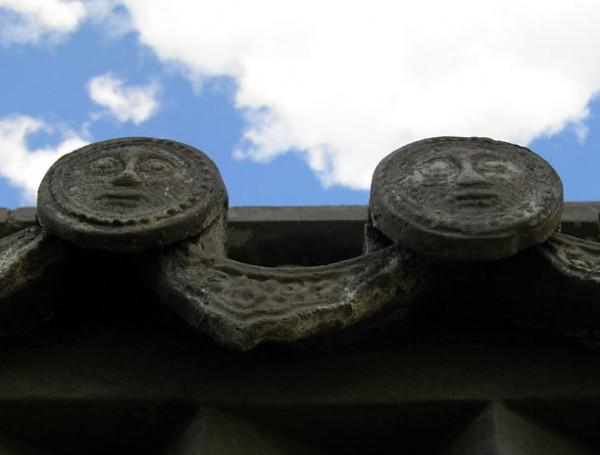 Декоративный элемент, украшающий крыши монастыря