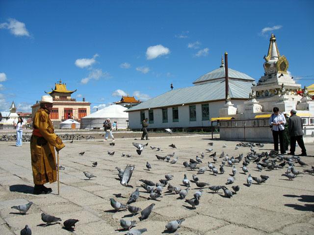 Улан-Батор, в монастыре Гандан