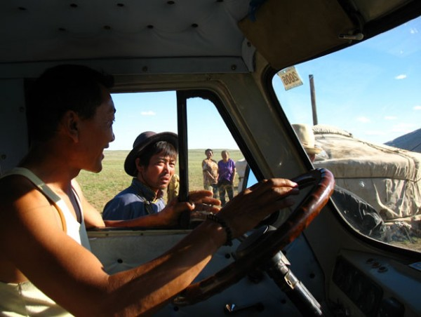 """Так работает """"монгольский GPS"""". Останавливаешься, спрашиваешь..."""