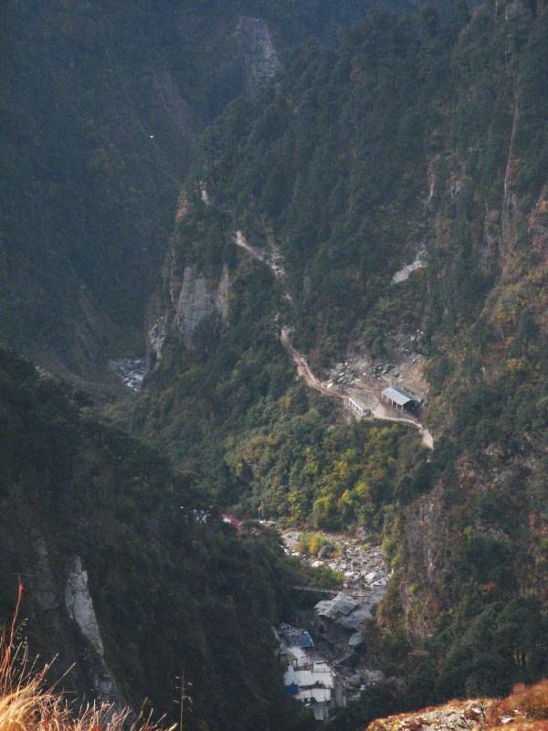 Вид на долину (Ямннотри)