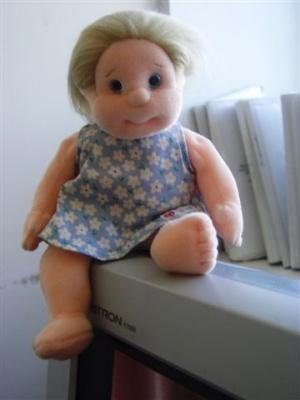 дочь просила папу привезти из Японии Барби, а папа привез это...