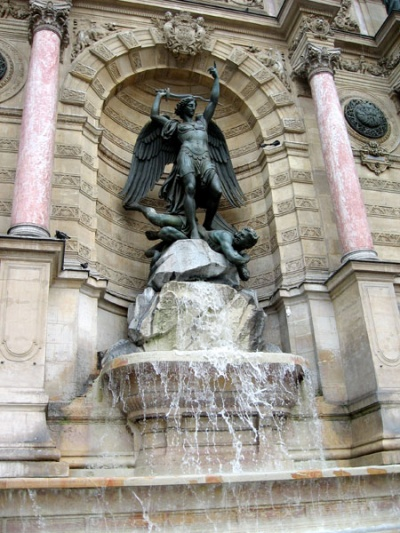 фонтан Сан-Мишель, место встреч