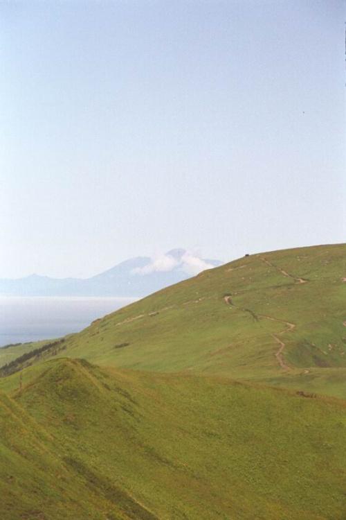 еще более волнительное будущее соседний остров Кунашир-вулкан Тятя...я его так и не покорю :(