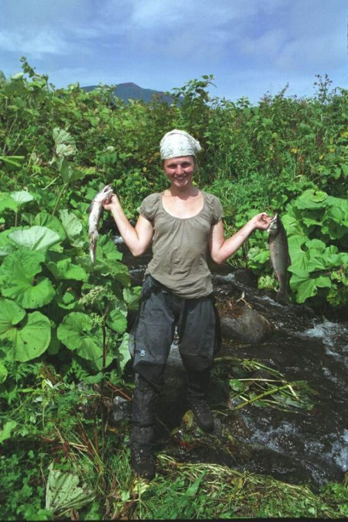 А вот в таком мелком ручье мы ловили рыбу руками