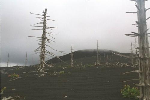 кратер отважный,все остальное уходит в туман,а вернее в облако
