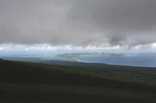 вид на полуостров Ловцова с кратера отважный,очень хорошо видно что его практически отрезают озера Круглое и Длинное