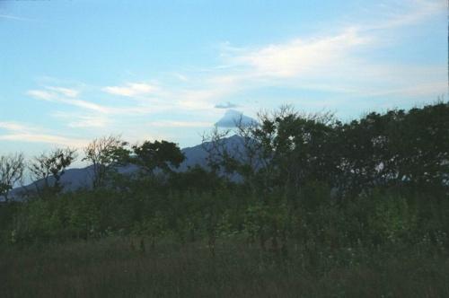 Облачко купол и вулкан Богдан Хмельницкий, до которого я так и не дошла