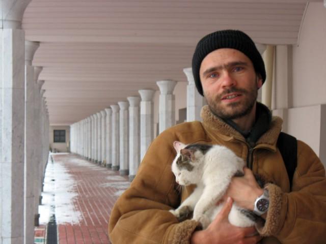 Портрет Муни с кошкой