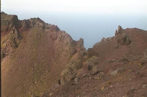 края кратера