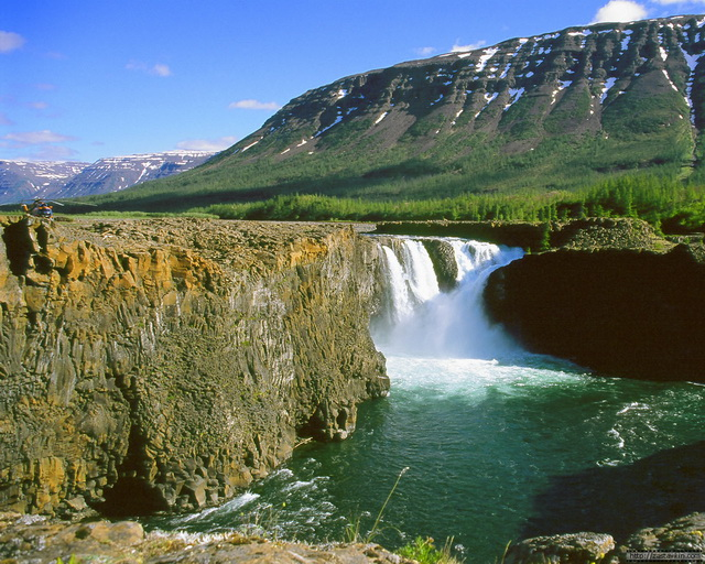 Водопад на плато Путоран