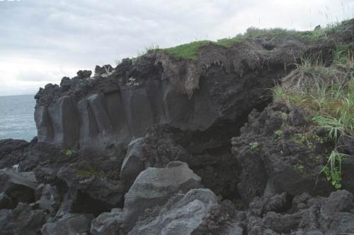 застывшие лавы и висящие травы