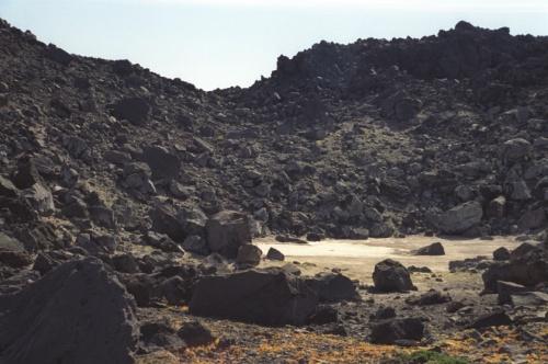 высохшее озерцо в кратере