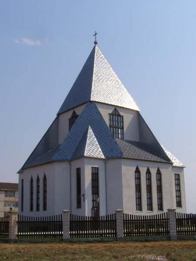 Потомки кальвинистов-евангелисты построили себе другой храм