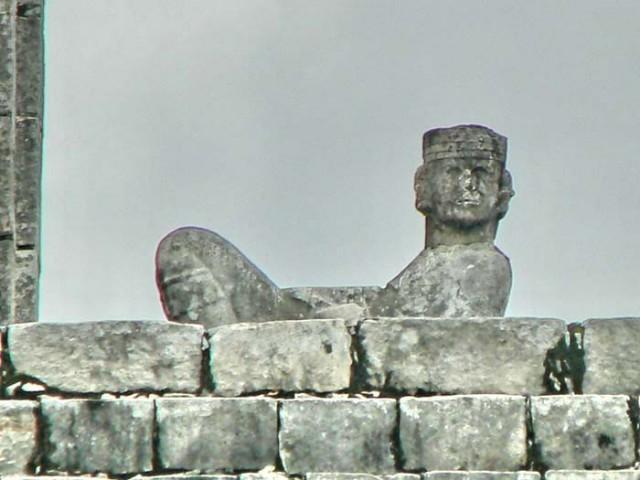 Одно из майские божества