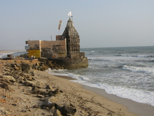Конечно же вековые храмы