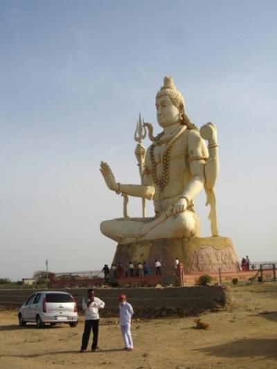18 метровый Шива и нагешвар мандир