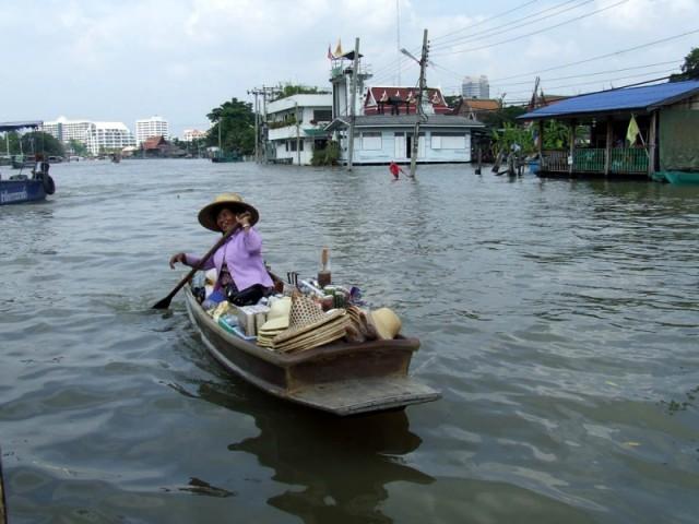 Труженица бангкокских клонгов