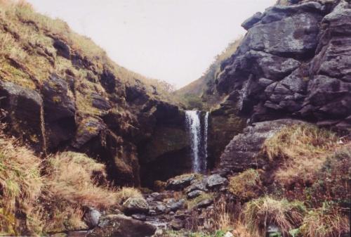 водопадик в бухте парусная