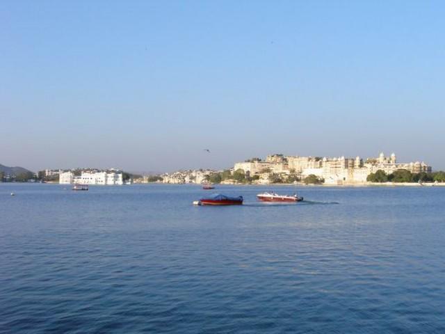 Озеро Пичола. Город Удайпур.