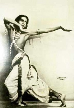 Удай в роли Гандхарва