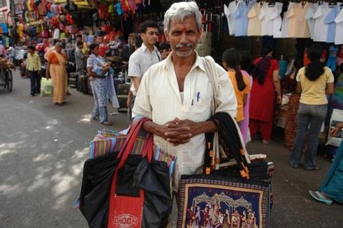 Продавец сумок (Дели)