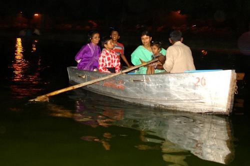 В лодке (Дели)