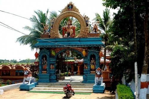 Храм Ханумана по дороге