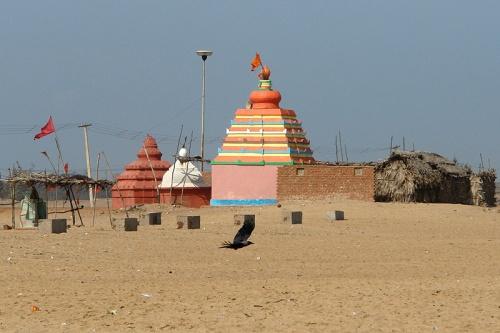 Храм на берегу залива