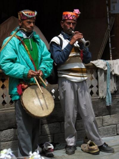Дуэт для барабана и дудки