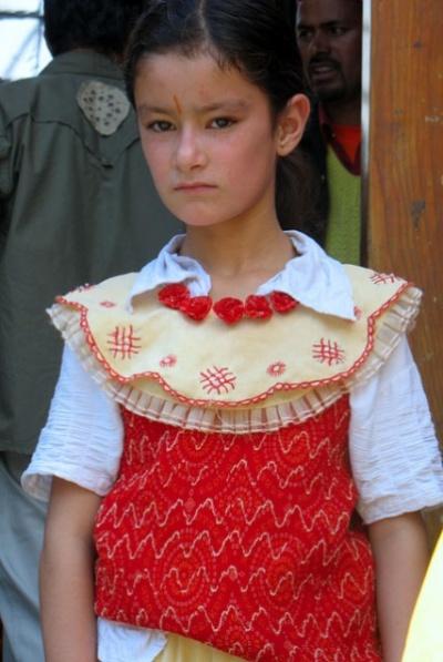 Девочка из соседней деревни. Удивительное лицо, не характерное для этих мест