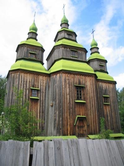 Еще красивая церковь в Пирогово