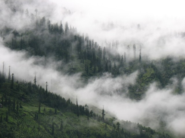 Облака и Гималаи