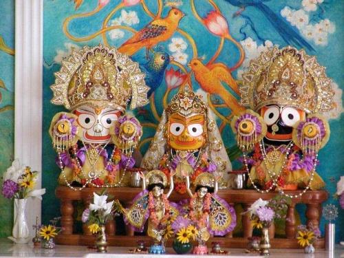 Джаганнатха , Баладева и Субхадра