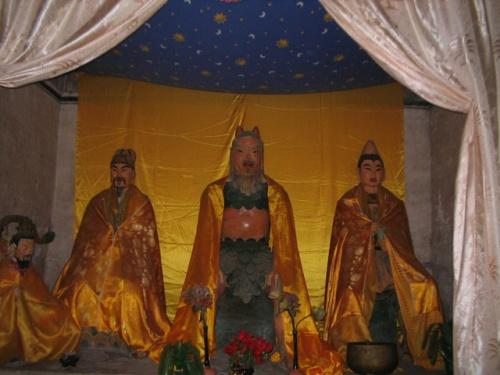 Храм Бога-оборотня в горном монастыре