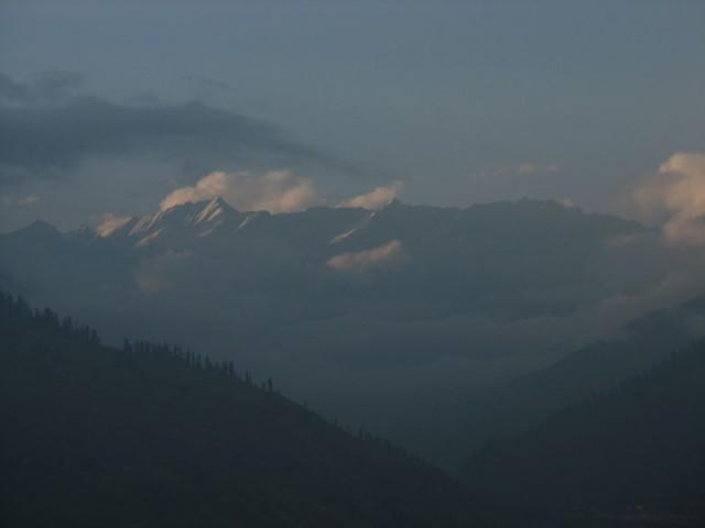 Вид в сторону перевала Рохтанг