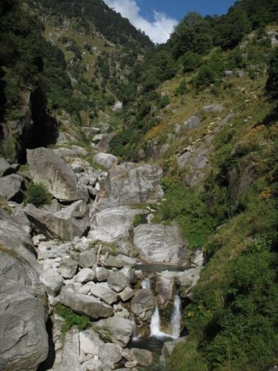 Водопад около Дарамкота
