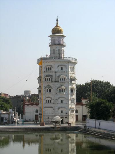 Башня Баба Атал