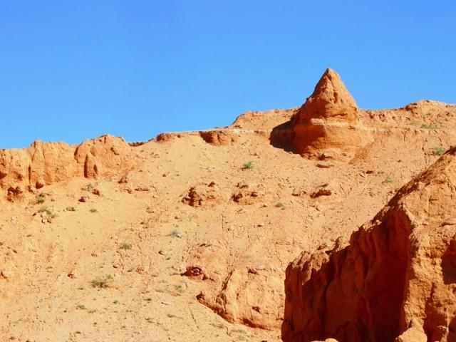 Конусообразная форма. Баянзаг, Монголия