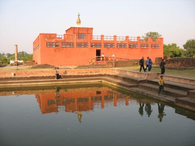 Храм Майа-деви на месте рождения Будды