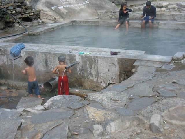 Горячие источники в Татопани