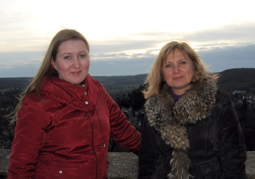 Это мы на холме возле замка Мадлен