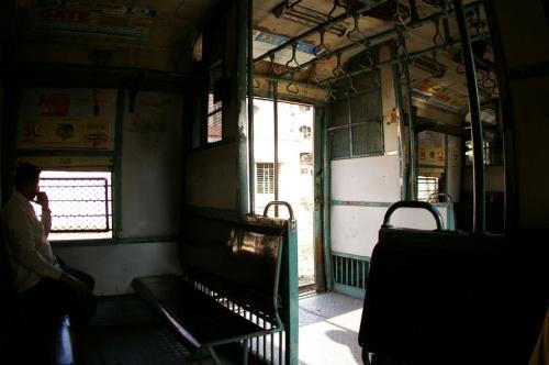 Пригородная электричка в Мумбае