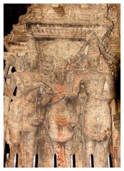 Свадьба Шивы и Минакши: ее брат Вишну отдает в жены Шиве свою сестру